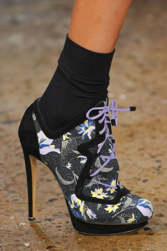 elle-01-suno-runway-lace-up-shoe-with-sock-xln