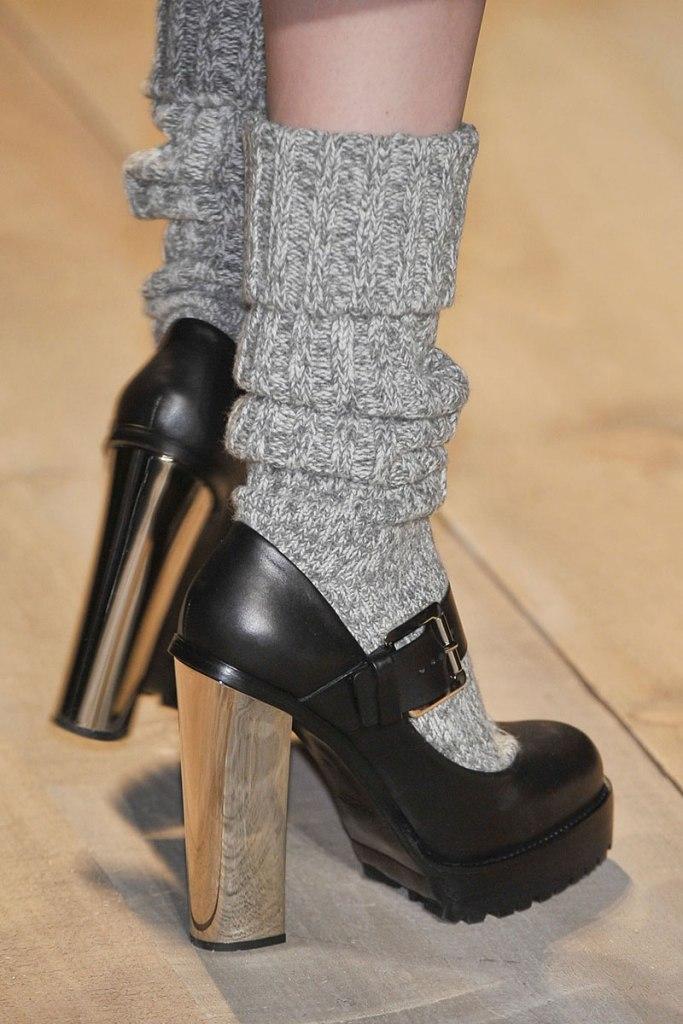elle-16-michael-kors-runway-mary-janes-with-socks-xln